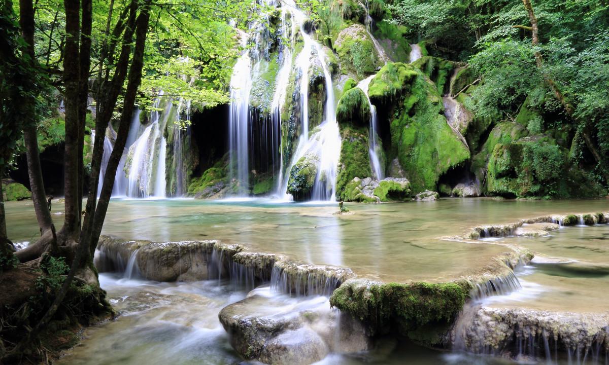Jura Alperne Oplev En Naturrig Campingferie I Smukke Frankrig
