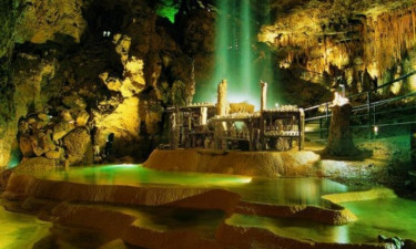 Grotter, slotte og natur
