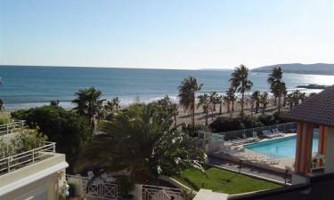 Hyggeligt pool område, men mest af alt fantastisk sandstrand