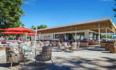 Étterem, bárok és bevásárlás - Az Istra Premium kemping Isztrián