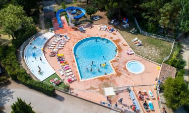 Nyt poolområde og andre faciliteter