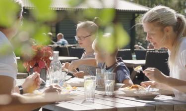 Restaurant og indkøbsmuligheder