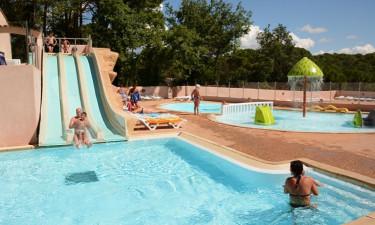Stor pool med lækker solbadning