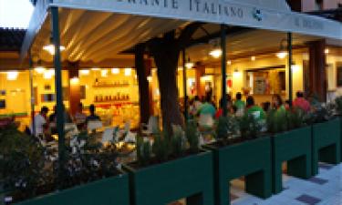 Syv restauranter og seks barer og isboder