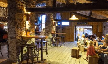 Indkøb, restaurant og bar