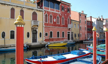 Oplev smukke byer, historie og forlystelser