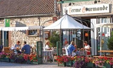 Restaurant og bar på pladsen