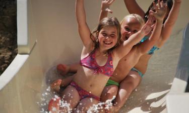 Pool, børnebassin og rutsjebane