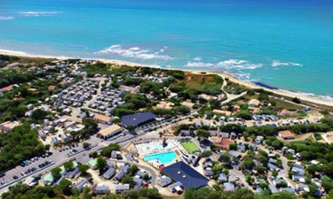 Pool Camping L'Anse des Pins in Charente-Maritime
