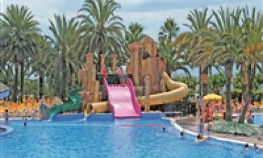 Tre fremragende poolområder og direkte adgang til sandstrand