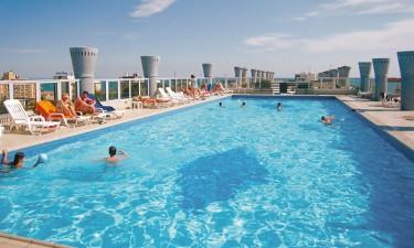 Tagterrasse med pool og fantastisk udsigt