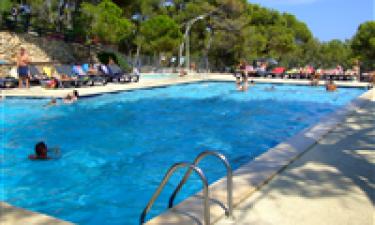 Pool og strand kun en spytklat væk