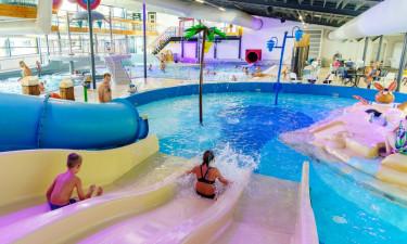 Nyd inden- og udendørs poolområder