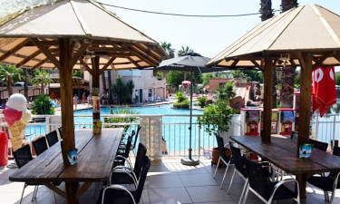 Restaurant Camping La Vallée du Paradis an der Côte d'Azur