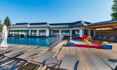 Bad, svøm og sol dig ved pool og spa