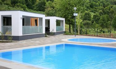 Elegant og simpelt poolområde
