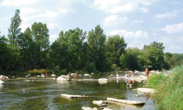 Skønt poolkompleks og tæt placering på Ardeche-floden
