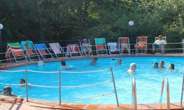 Udendørs pool til afslapning og aktiviteter