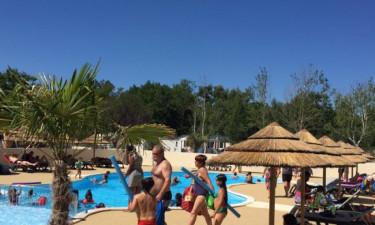 Pool, strand og sø