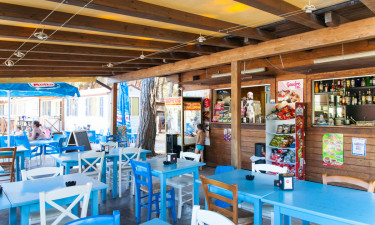 Hyggelige restauranter og poolbar
