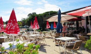 Restaurant Camping Le Nauzan Plage in Charente-Maritime