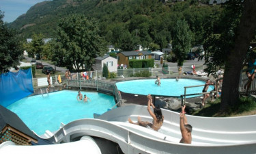 Pool, rafting og anden underholdning