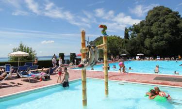 Skøn swimmingpool og strande
