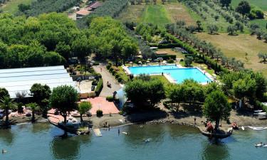 Campingplads direkte til Bolsenasøens bred