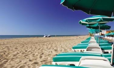 Stort poolområde og direkte adgang til lækker strand