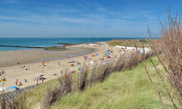 Campingferie ved strand for familien