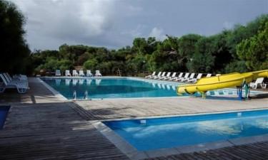 Både pool og strand