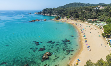 Strandene på camping i Spanien