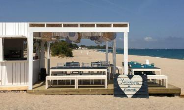 Plaża i obiekty na miejscu