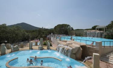Pool, Strand und Einrichtungen am Camping Les Cigales