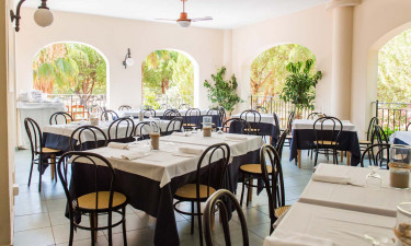Lækker restaurant og butiksområde