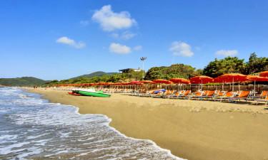 Plaża, basen oraz udogodnienia na miejscu