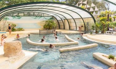 Indendørs og udendørs pool