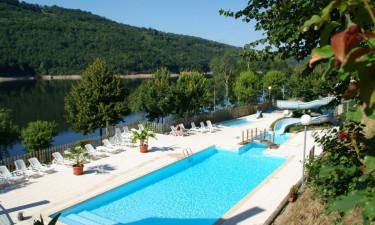 Indbydende poolområde og direkte til sø