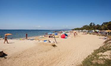 Strand og område