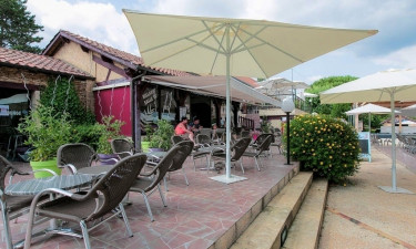 Bar, restaurant og indkøb