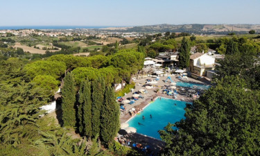 Czym zaskakuje luksusowy kemping Mar Y Sierra?