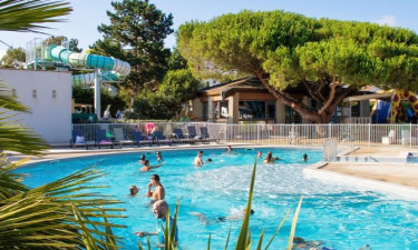 Camping Le Nauzan Plage in Charente-Maritime